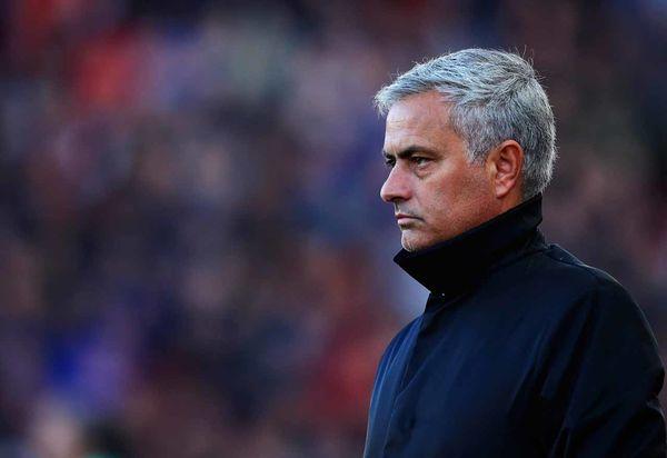 Mourinho hiện đang thất nghiệp sau khi bị Man Utd sa thải.