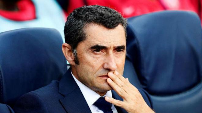 Ernesto Valverde bị người hâm mộ Barca chỉ trích kịch liệt khi thất bại tại Champions League và Cúp nhà vua Tây Ban Nha.
