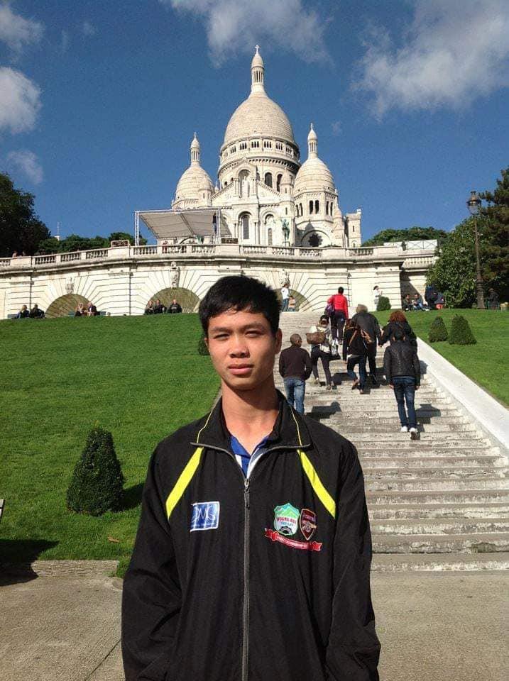 Công Phượng du đấu tại Pháp năm 2012.