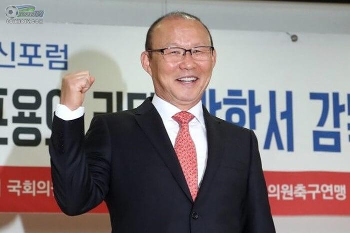 vi-sao-vff-sot-ruot-chuyen-gia-han-hop-dong-voi-thay-park
